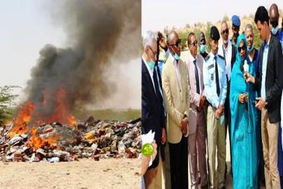 جانب من عملية اتلاف المواد منتهية الصلاحية في ضواحي نواكشوط