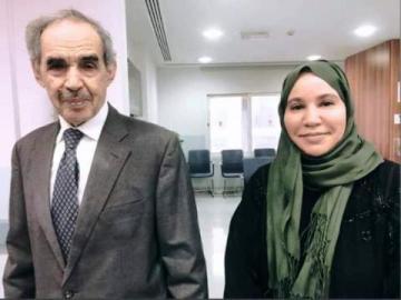 الصحفية عيشه قالت إن ولد الطايع وافق التصوير معها و إن ابنتها إيمان هي من التقطت الصور.