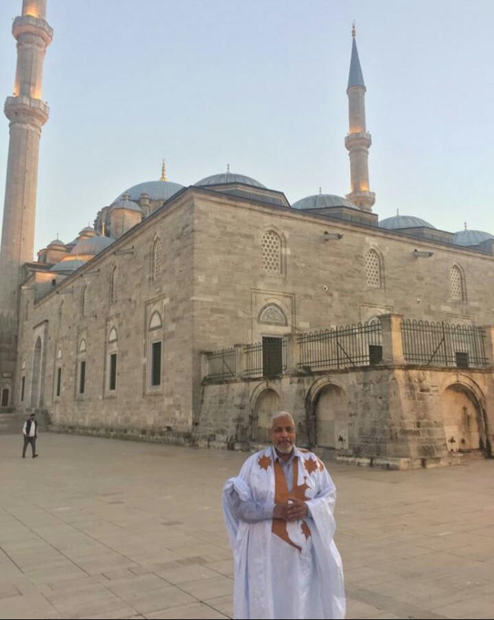 ولد اعبيدنا امام مسجد الفاتح في اسطنبول