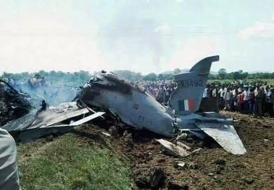 باكستان تسقط طائرتين تابعتين لسلاح الجو الهندي داخل مجالها الجوي