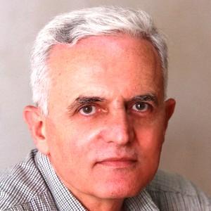 محرر في الميادين نت ابتداء من أول آذار/ مارس 2012 ومراسل ومحقق صحفي ميداني على الساحة اللبنانية منذ 1980.