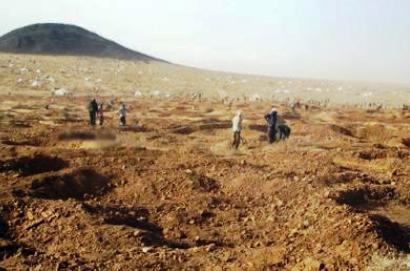 صورة ارشيفية لمنقبين موريتانيين عن الذهب